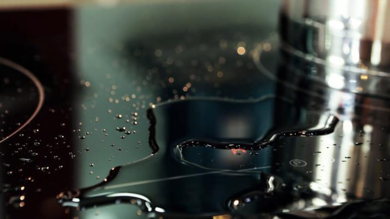 Cảm ứng chống tràn. Bếp sẽ tự động tắt khi nước tràn lên mặt bếp