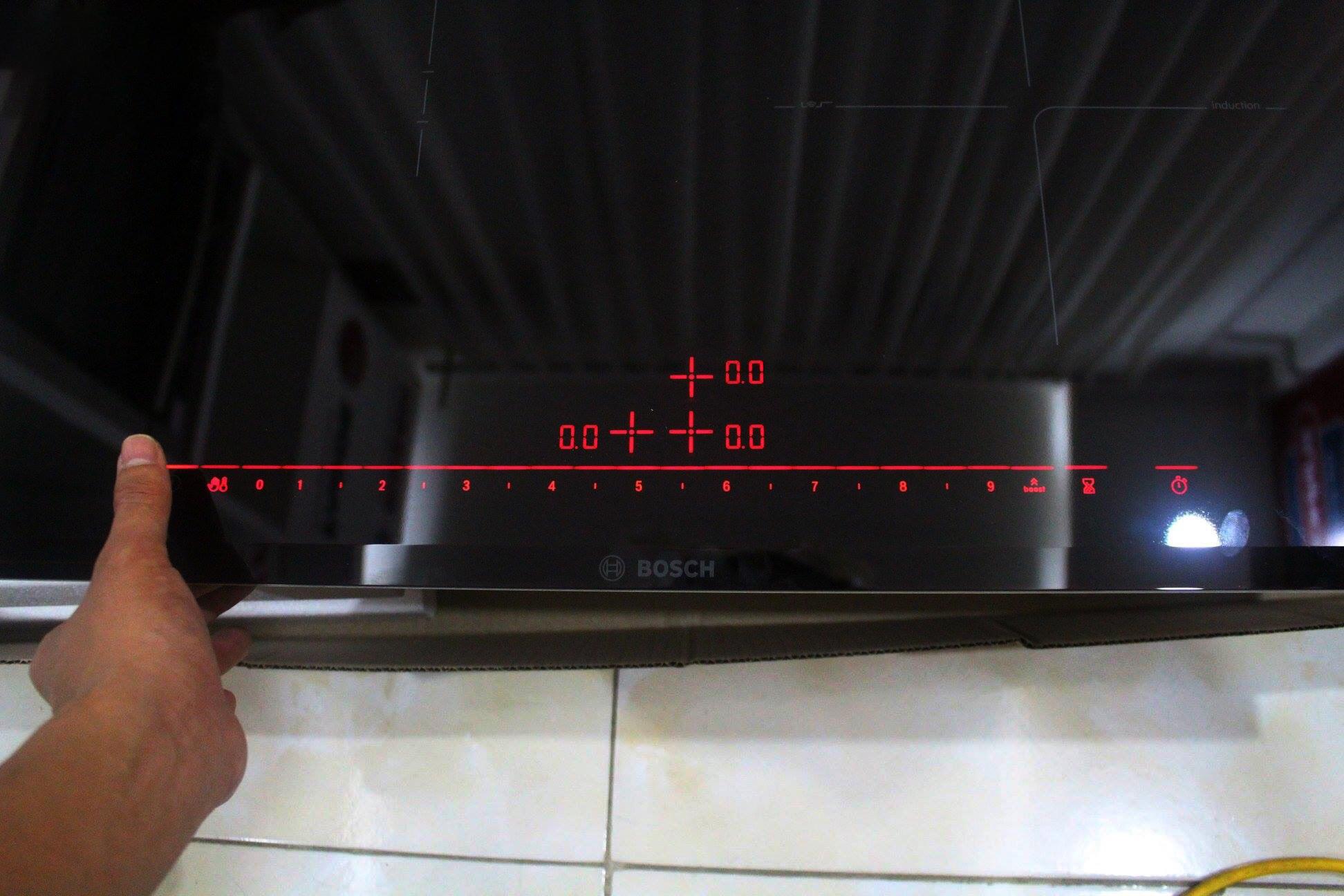 bảng điều khiển Bosch 675DC1E